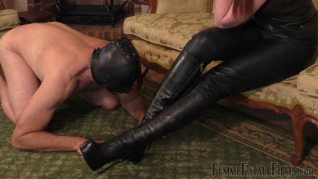 Femme_Fatale_Films_-_Boot_Worship_Day_-_Part_1._Starring_Miss_Zoe.mp4.00013.jpg
