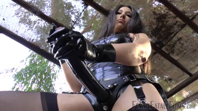 Watch Online Porn – Femme Fatale Films – Get Ready Cock Sucker – Part 1. Starring Goddess Tangent (MP4, HD, 1280×720)