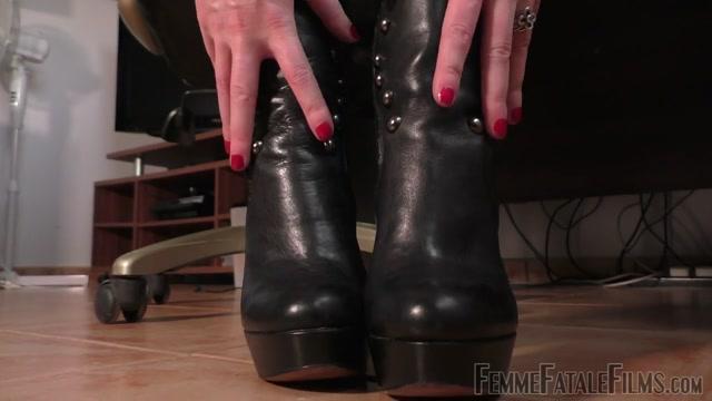 Femme_Fatale_Films_-_Miss_Zoe_-_Office_Foot_Slave.mp4.00001.jpg