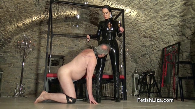 Fetish_Liza___Black_latex_polisher.mp4.00000.jpg