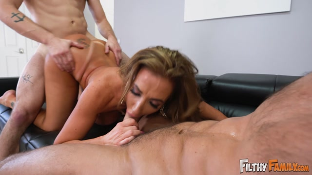 Watch Online Porn – FilthyFamily presents 20190419 Richelle Ryan, Johnny Castle, Nathan Bronson Penthouse Centerfold Fucks Her Stepson (MP4, FullHD, 1920×1080)