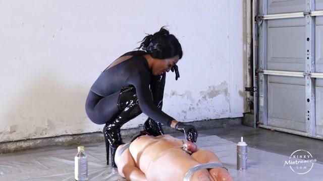 Kinky_Mistresses___Dirty__Kinky_Fun_In_The_Garage._Starring_Mistress_Adina.mp4.00001.jpg