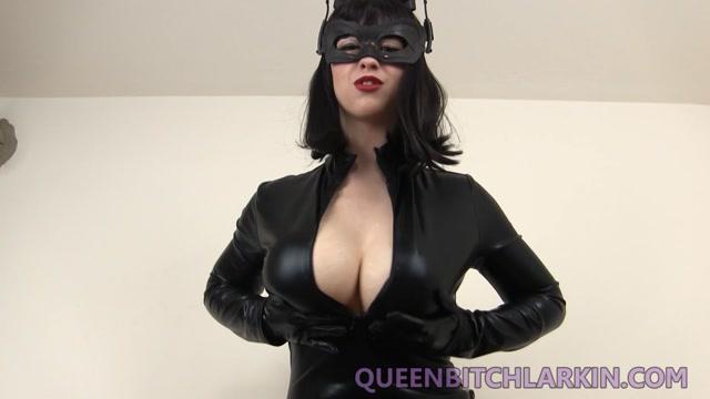 Larkin_Love_-_Catwoman_Fucks_Batman_And_Breaks_His_Spirit.mp4.00003.jpg