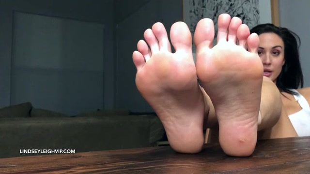 Watch Online Porn – Lindsey Leigh – groundhogs day for a foot boy (MP4, SD, 854×480)