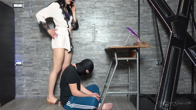Watch Online Porn – MISTRESS GAIA – SLAVE STOOL (MP4, FullHD, 1920×1080)
