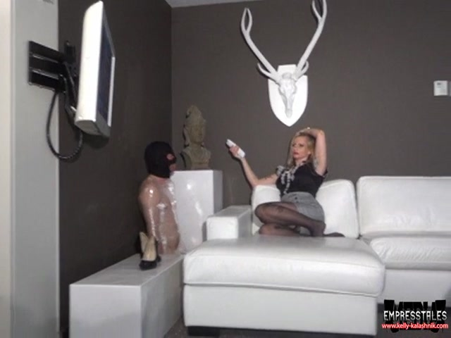 MISTRESS_KELLY_KALASHNIK_-_Slapping_Frenzy_Punishment.mp4.00008.jpg