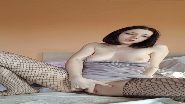 ManyVids_presents_Elles__club_in_Fucking_myself_in_a_fishnets.mp4.00000.jpg