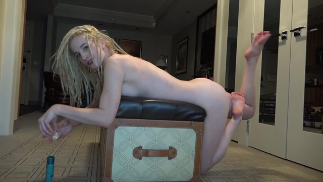 ManyVids_presents_Maren_Speculum_And_Butt_Plug.mp4.00010.jpg