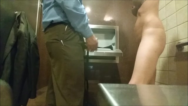 Watch Online Porn – ManyVids presents TianaLive in Convention Stranger In Public Bathroom (MP4, SD, 854×480)