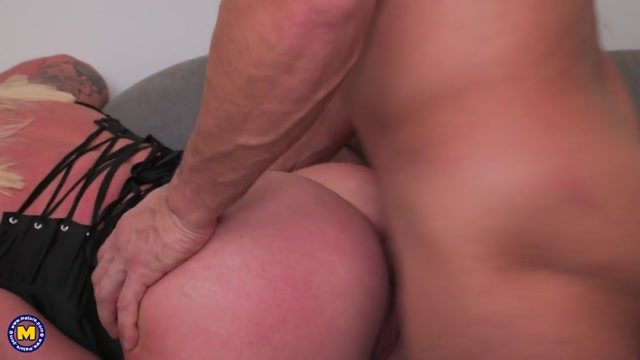 Mature.nl_presents_Christie_Dom__EU___49_.mp4.00011.jpg