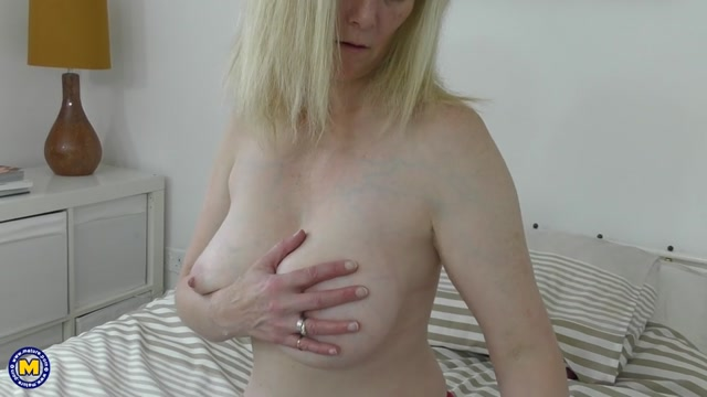 Watch Online Porn – Mature.nl presents Suzie (EU) (44) (MP4, SD, 960×540)