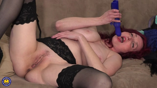 Mature.nl_presents_Zinnia_Blue__44_.mp4.00013.jpg
