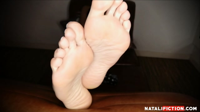 Watch Online Porn – Natali Fiction – playing with feet and soles (MP4, FullHD, 1920×1080)