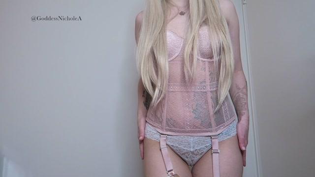 Nichole_Abrams_-_Blonde_Goddess_Humiliates_Addictive_Beta_Bitch_Femdo.mp4.00009.jpg