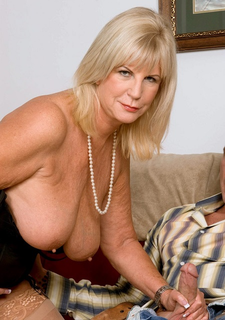 solo naked black wife