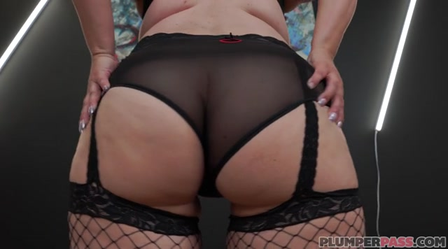 Watch Free Porno Online – Plumperpass presents Valerie Blake in Lollipoppin – 13.05.2019 (MP4, SD, 720×400)