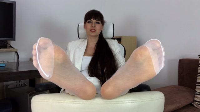 Watch Online Porn – Polish Mistress – Stopy Mamusi Dla Synka (MP4, UltraHD/4K, 3840×2160)