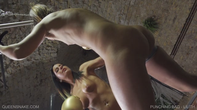 Watch Online Porn – QueenSnake presents Punching Bag – Lilith (MP4, FullHD, 1920×1080)