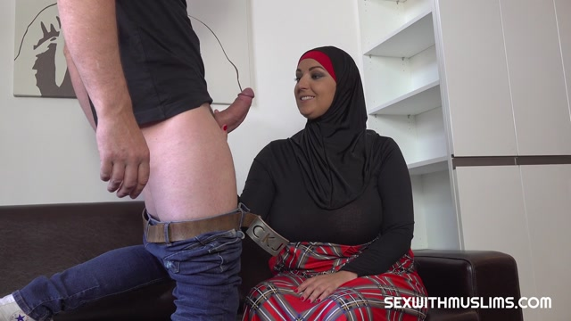 SexWithMuslims_presents_Krystal_Swift_-_Thomas_Fucked_His_Muslim_Sister-In-Law___31.05.2019.mp4.00002.jpg