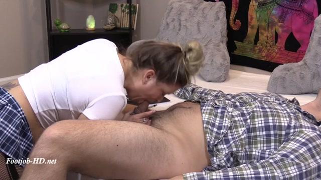 Watch Online Porn – Study break leads to Footjob – My Wife Avery (MP4, SD, 960×540)