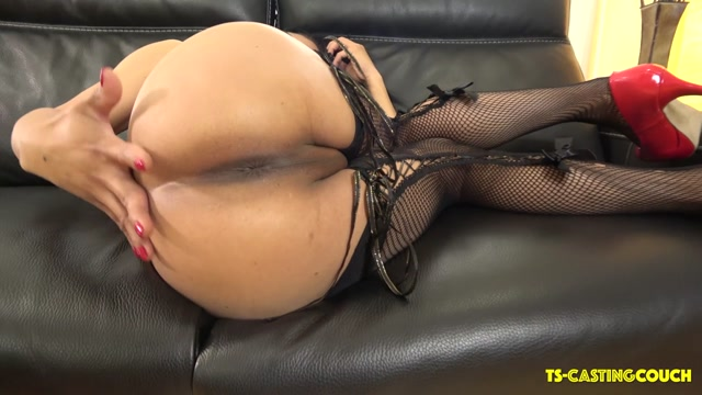 Watch Online Porn – TS-castingcouch presents Aria Naz Rocking Her Red Pumps – 24.05.2019 (MP4, HD, 1280×720)