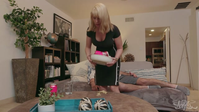 Watch Online Porn – TransAngels presents Foxxy Sticking It To My Obnoxious Mother-In-Law – 11.05.2019 (MP4, HD, 1280×720)