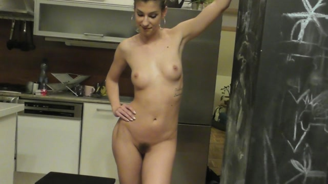 Watch Free Porno Online – Under my princess: Shona River long piss first cam version (MP4, FullHD, 1920×1080)