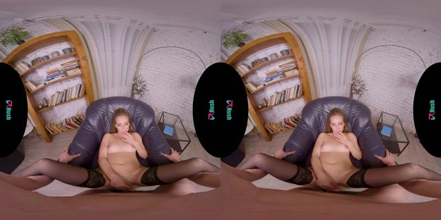 Watch Online Porn – VRHush presents Kinuski in Are You Working Or Spying On Me (MP4, UltraHD/2K, 2880×1440)