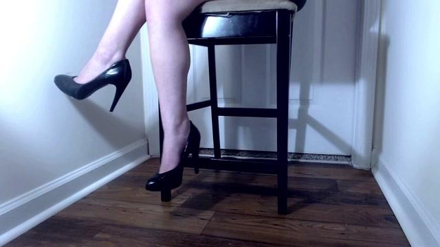 Watch Online Porn – Venus Venerous – black heels dangle ignore (MP4, HD, 1280×720)