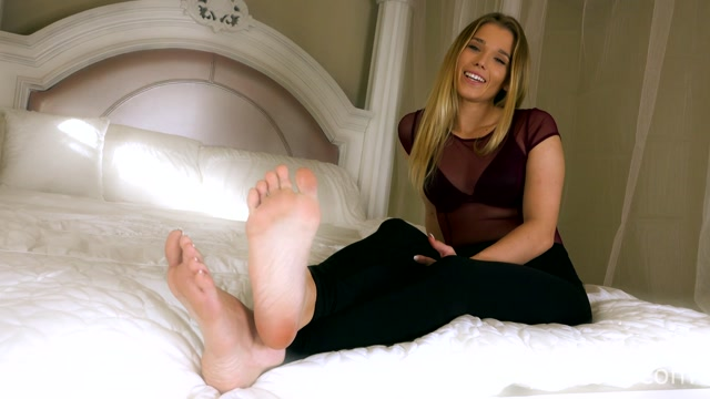 Worship_Amber_-_Total_Foot_Domination.mp4.00000.jpg