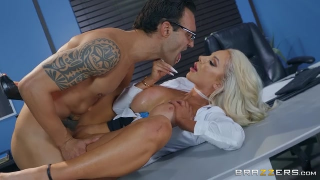 Watch Online Porn – Brazzers – BigTitsAtWork presents Nicolette Shea in The View From Down Here – 24.06.2019 (MP4, SD, 854×480)