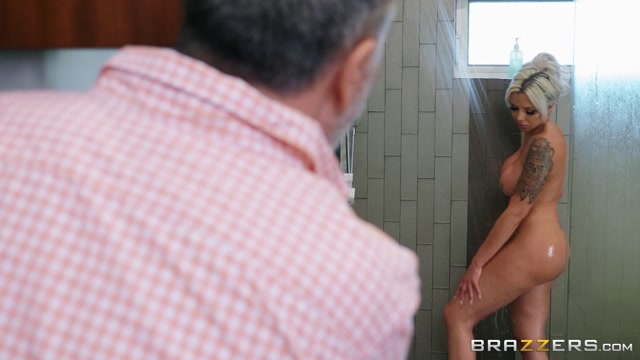 Watch Online Porn – Brazzers – MilfsLikeItBig presents Nina Elle – Washing My Friend's Wife – 19.06.2019 (MP4, FullHD, 1920×1080)