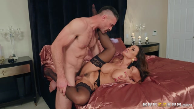 Watch Online Porn – Brazzers – RealWifeStories presents Lisa Ann in Please Take Me Back – 18.06.2019 (MP4, FullHD, 1920×1080)