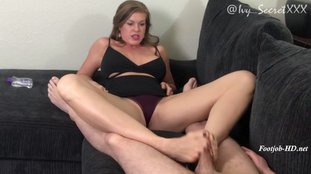 Watch Online Porn – Cuckold Hubby Gets a Footjob – Ivy Secret Fetish Fantasies (MP4, FullHD, 1920×1080)