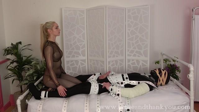Watch Free Porno Online – Dommebot 2000 – Mandy Marx (MP4, FullHD, 1920×1080)