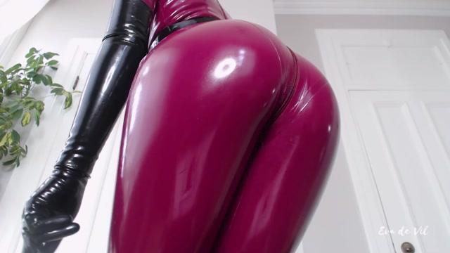 Watch Online Porn – Eva de Vil – Latex Addiction (MP4, FullHD, 1920×1080)