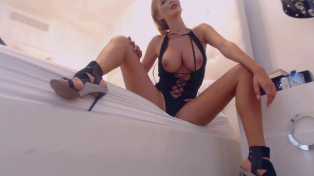 ExquisiteDome_-_Findome_Topless_Worship.mp4.00014.jpg