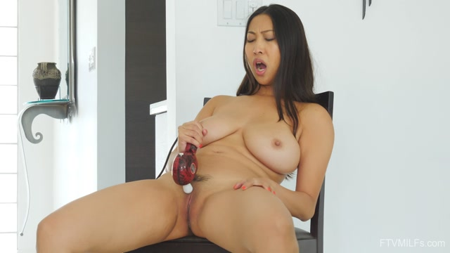 FTVMilfs_presents_Sharon_in_Busty___Kinky_Beauty_-_Natural_Squirter.mp4.00015.jpg