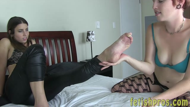 Watch Free Porno Online – FetishPros presents 104-04 Serena Blair Kay Tastrophe Foot Worship (MP4, HD, 1280×720)