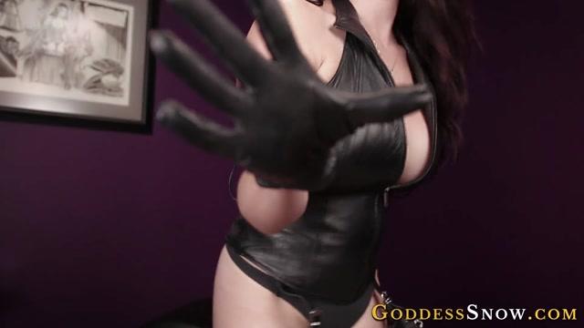 Watch Online Porn – Goddess Alexandra Snow – Leather Weakness 2 (MP4, FullHD, 1920×1080)