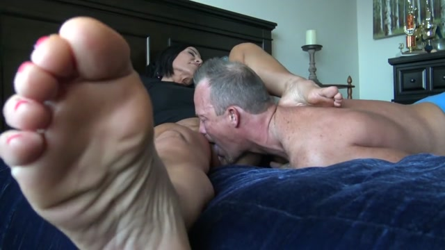 Watch Online Porn – Goddess Zephy – Foot cuckold POV (MP4, HD, 1280×720)