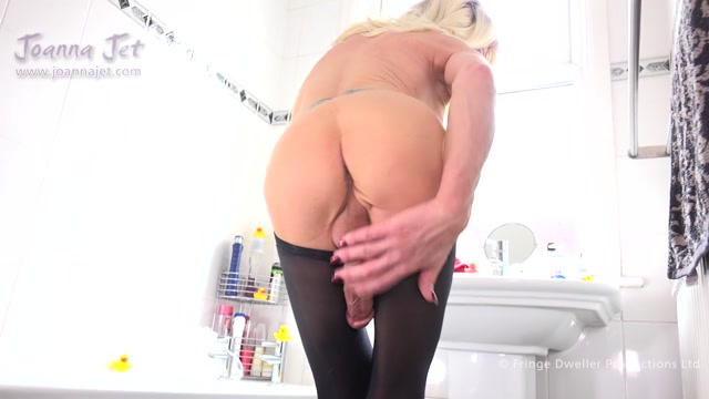 JoannaJet_presents_Joanna_Jet___Me_and_You_360___Bathroom_Sheer___21.06.2019.mp4.00009.jpg