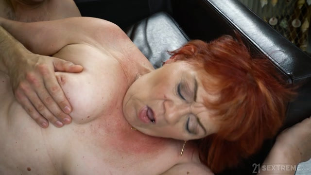 Watch Online Porn – LustyGrandmas presents Marsha, Rob in PLEASURE ON DELIVERY – 27.06.2019 (MP4, FullHD, 1920×1080)