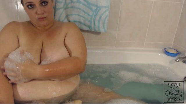 ManyVids_presents_Chelly_Koxxx_-_A_Peek_at_my_dildo_Bathtime_Playtime.mp4.00006.jpg