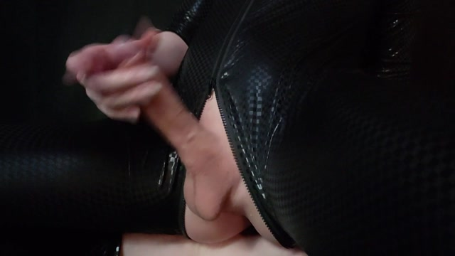 ManyVids_presents_Miss_Vexx_-_Goddess_drowning_in_Piss_and_Pleasure.mp4.00003.jpg