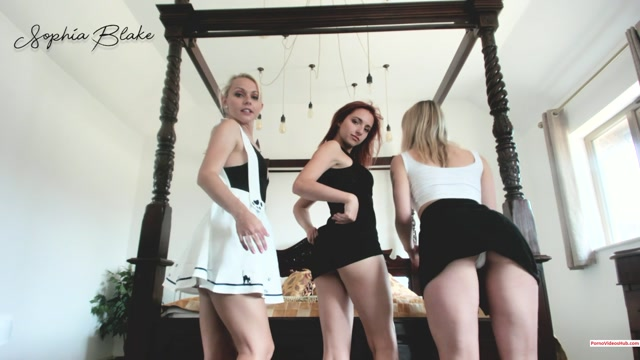 Watch Online Porn – ManyVids presents Sophiablake in Up skirt with Pippa and Chloe $14.99 (Premium user request) (MP4, FullHD, 1920×1080)