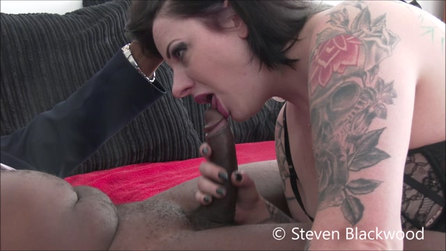 ManyVids_presents_b1ackwood_-_Sloppy_wet_blowjob_from_inked_goth_chic.mp4.00012.jpg