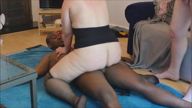 ManyVids_presents_b1ackwood_-_Wife_fucks_hubbys_black_boss.mp4.00012.jpg
