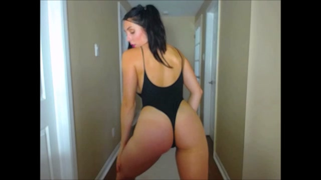 ManyVids_presents_essiac_in_I_Want_To_Play.mp4.00005.jpg
