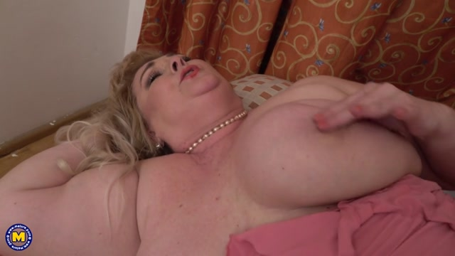 Mature.nl_presents_Helena__53_.mp4.00011.jpg